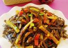酸萝卜炒海带丝的做法