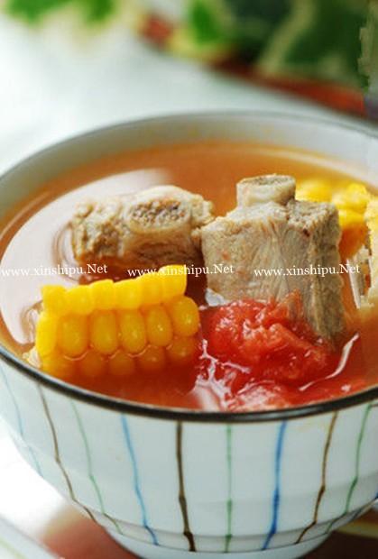 玉米排骨西红柿汤的做法