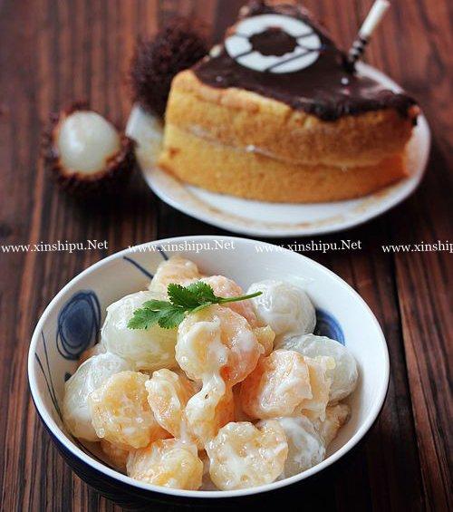第6步果球虾仁沙拉的做法图片